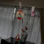 А это наша новогодняя эклектика. Стрела-хамая из храма Симогамо, а ветка сливы - из Китано Тэммангу. С Дедморозами-Сантаклаусами и так все понятно